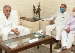 मुख्यमंत्री भूपेश बघेल से छत्तीसगढ़ मनवा कुर्मी क्षत्रिय समाज के सदस्यों ने की मुलाकात
